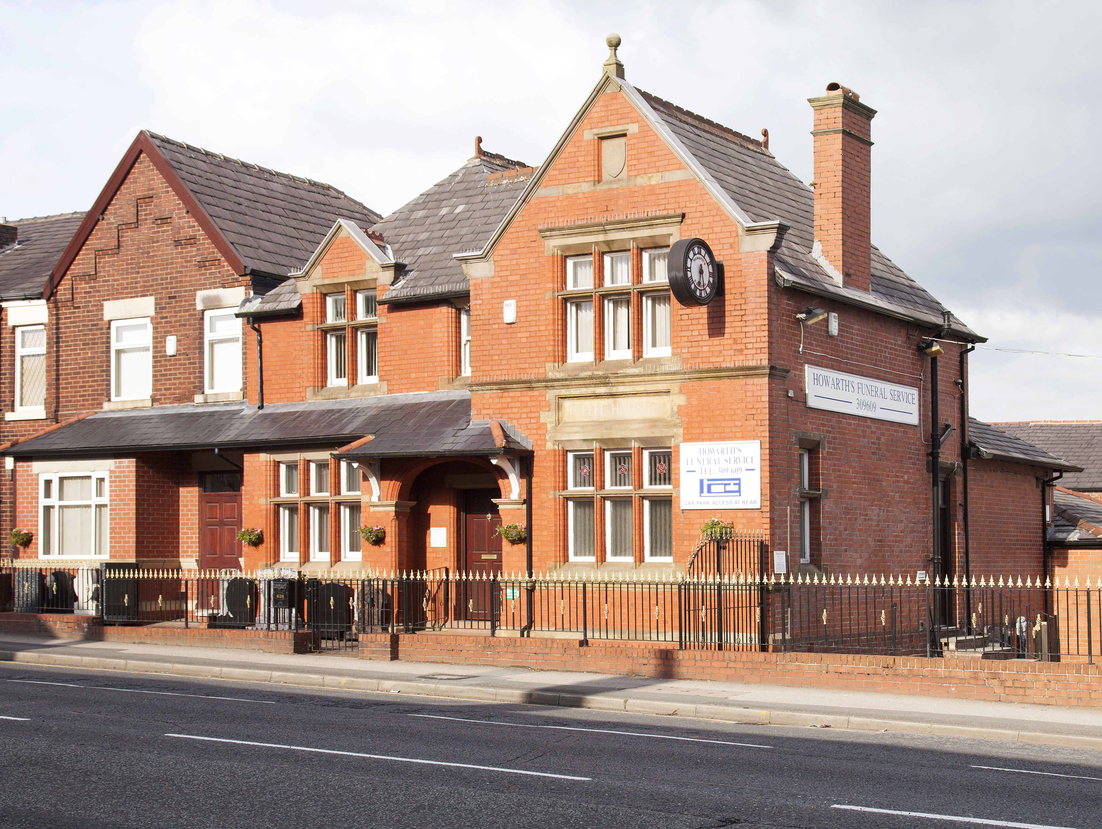 Howarth's Funeral Service - Bolton Office